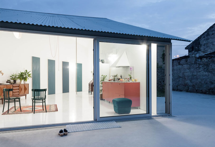 House with a curved wall | Fala