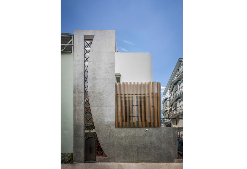 Alone House   Story Architecture