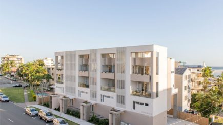 Caloundra Townhouses | Jasper Brown Architects + Open Architecture