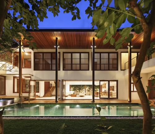 Personalized House at Anderson Road. Architect; Damith Premathilake Architects