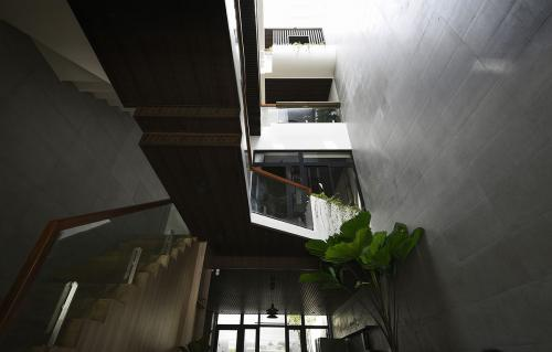 Connect House